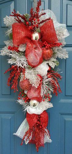 49 joyful and creative diy christmas wreaths decoration ideas decoralink