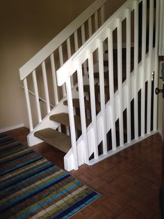 Paint your stair banister white Modern Stair Railing, Stair Banister, Modern Stairs, Banisters, Banister Ideas, Stacked Stone Walls, Entryway Stairs, Living Area, Living Room