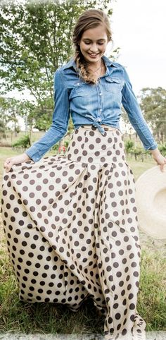 Super cute!  Love this polka dot maxi skirt and chambray shirt! Women's fall fashion clothing outfit