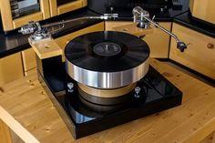 Platine Verdier. #recordplayer #turntable http://www.pinterest.com/TheHitman14/the-record-player-%2B/