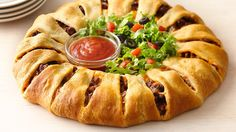 Taco Crescent Ring ~ This taco-filled crescent ring is the perfect meal for Taco Night! Use ground turkey. Dress it up with fresh shredded lettuce, chopped tomatoes and taco sauce (as shown in illustration) for a fun twist on tacos! Taco Crescent Ring, Crescent Roll Recipes, Crescent Rolls, Crescent Dough, Mexican Dishes, Mexican Food Recipes, Beef Recipes, Dinner Recipes, Cooking Recipes