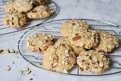 almond cookies. Almond Cookies, Tomato Soup, Cookie Recipes, Smoothies, Grilling, Eat, Beverage, Desserts, Food