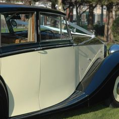 1950 Rolls Royce Silver Wraith timeless vintage car for bride grooms with style. Rolls Royce Silver Wraith, Wedding Car, Dublin, Vintage Cars, 1950s, Favorite Things, Classic Cars, Antique Cars
