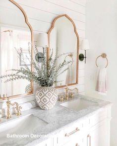 modern bathroom countertops a floating marble vanity top gives a feeling of luxu… – Marble Bathroom Dreams Boho Bathroom, Diy Bathroom Decor, Bathroom Interior Design, Modern Bathroom, Bathroom Inspo, Bathroom Ideas, Master Bathroom, Bathroom Lighting, Vanity Lighting