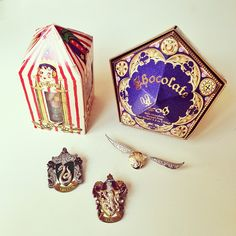Must get to the Wizarding World of Harry Potter ASAP Harry Potter Candy, 2018 Christmas Gifts, Albus Dumbledore, Cool Pins, Sister Love, Mischief Managed, Rich Girl, Candyland, Fantastic Beasts