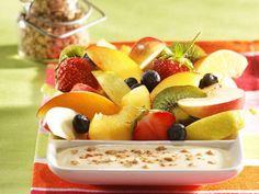 Trempette pour fruits à l'érable   Érable du Québec Fruit Salad, Creme, Food, Recipe, Fruit Salads, Meals, Yemek, Eten