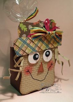 darling scarecrow box ... luv his smile and googly eyes .. cute little red bird in his hat ... Stampin' Up!
