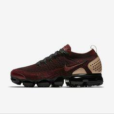 Latest Sneakers, Red Sneakers, Sneakers Fashion, Sneakers Nike, Nike Basketball, Nike Sportswear, Running Nike, Running Shoes, Nike Vapormax Flyknit