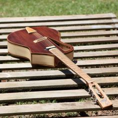 """The luthier behind """"Raulo Guitars"""", is a young master luthier making its way up on the guitar industry. His work is always very daring,"""