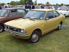 339 Toyota Corolla 1200 (1972) by robertknight16, via Flickr