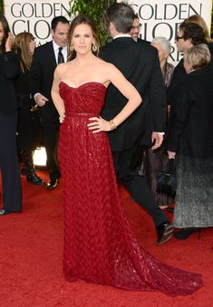 Jennifer Garner is red hot in this Vivienne Westwood strapless dress! I love the sequins. Her and Ben Affleck are such a cute couple