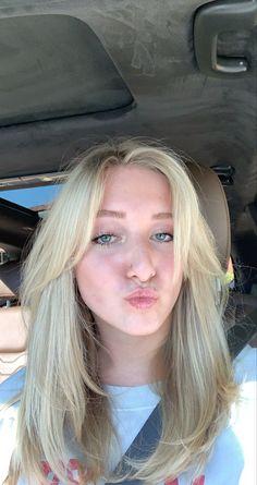 Blonde Layered Hair, Blonde Hair With Bangs, Medium Blonde Hair, Bangs With Medium Hair, Blonde Hair Looks, Brunette Hair, Medium Hair Styles, Short Hair Styles, Bangs Long Hair