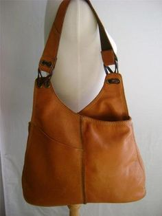 Leather Hobo Style Handbags - It's no wonder that so many questions arises concerning real designer handbags, purses as we Hobo Handbags, Handbags Michael Kors, Purses And Handbags, School Handbags, Leather Purses, Leather Handbags, Leather Bags, Brown Leather, Mode Ab 50