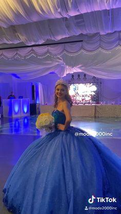 Pretty Quinceanera Dresses, Pretty Prom Dresses, Sweet 16 Dresses, Dream Wedding Dresses, Cinderella Quinceanera Themes, Cute Dresses, Dama Dresses, Quince Dresses, Ball Gown Dresses