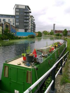 Narrow Boat Garden by London Permaculture, via Flickr