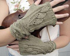 Free Knitting Pattern - Fingerless Gloves & Mitts: Sourwood Mountain Fingerless Gloves
