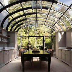 33 Inspiring Conservatory Kitchen Design Ideas - People build conservatories for many reasons. Traditional conservatories served as greenhouses that were attached to homes to cut down on building cos. Home Interior Design, Exterior Design, Interior And Exterior, Future House, Conservatory Kitchen, Greenhouse Kitchen, Sunroom Kitchen, Kitchen Decor, Dome Greenhouse