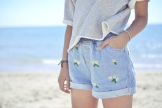 the waistband and floral pattern are so cute.