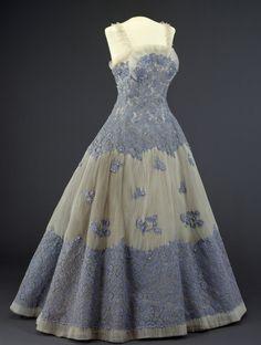 ~Evening dress, 1955~   From the DIGITALT MUSEUM