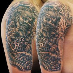 "Magazine's photo: "" Tattoo of the day Artist: "" Asian Tattoos, Weird Tattoos, Body Art Tattoos, New Tattoos, Awesome Tattoos, Japanese Tattoo Designs, Japanese Sleeve Tattoos, Foo Dog Tattoo Design, Japanese Foo Dog"