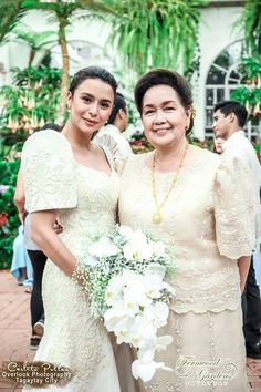 Filipino bride and mother - Elle N - Filipino desserts Modern Filipiniana Gown, Filipiniana Wedding Theme, Formal Dresses For Weddings, Wedding Bridesmaid Dresses, Bride Dresses, Barong Wedding, Bridal Gowns, Wedding Gowns, Asian Wedding Makeup