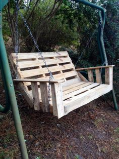 Yard/Porch swing from reclaimed pallets. Picnic table by YuleeFL, $150.00