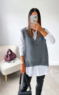 Vest Outfits For Women, Casual Work Outfits, Professional Outfits, Clothes For Women, Work Clothes, Smart Casual Work Outfit, Creative Work Outfit, Grey Clothes, Smart Casual Women