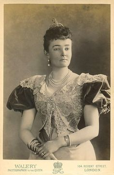 Luise Margaret of Prussia, Duchess of Connaught photo by Walery | Grand Ladies | gogm