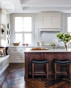 Pristine. Classic. Fresh. Timeless. Color trend with traction. It seems the love affair between kitchendesign and decorating and the very right of the wh