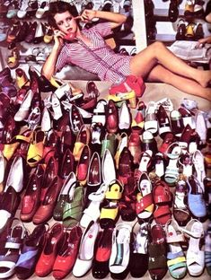 Charles Jourdan shoes photographed by Guy Bourdin, c. 1970s. (♥)
