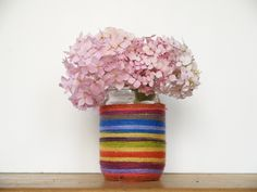 Make a pretty RAINBOW mason jar vase with The Magic Onions