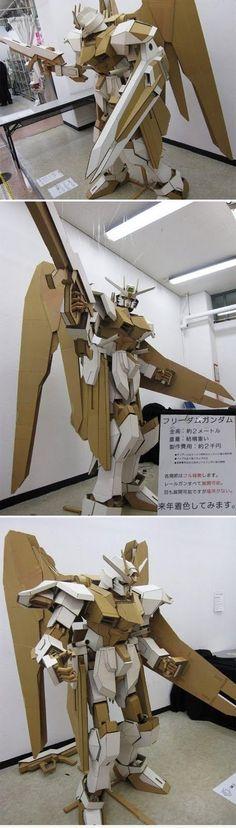 Freedom Gundam made from Cardboard