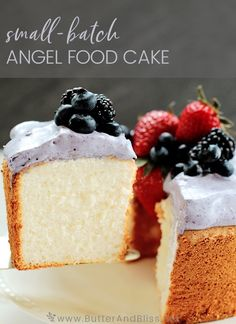 This Mini Angel Food Cake recipe makes a delicious and delicate cake. Topped with a creamy blueberry whipped coconut cream for a perfect Spring dessert! Mini Angel Food Cake Recipe, Angel Food Cake Pan, Small Batch Cake Recipe, Angel Food Cake Toppings, Angel Cake, Coconut Cream Frosting, Small Batch Baking, Cake Recipes, Dessert Recipes