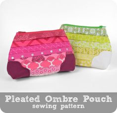 Free tutorial: This simple zip pouch had cute pleated details and an ombre theme ♥ #diy #sewing