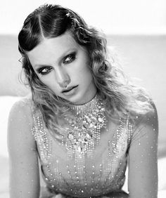 Taylor Swift for British Vogue January 2018 Taylor Swift Fotos, Taylor Swift Photoshoot, Estilo Taylor Swift, Long Live Taylor Swift, Taylor Swift Pictures, Taylor Alison Swift, Selena, Pretty People, Beautiful People