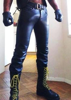 tight and very full leather pants I love you so much white your tight jeans give me a call thank you love Mens Leather Pants, Leather Blazer, Fashion Moda, Mens Fashion, Men In Tight Pants, Leder Outfits, Underwear, Super Skinny Jeans, Catsuit