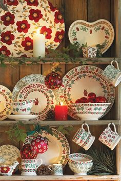 We love this Christmas Collection of Emma Bridgewater products. Find out which Emma Bridgewater designs we stock by visiting our website! Christmas China, Christmas Dishes, Christmas Kitchen, All Things Christmas, Christmas Home, Christmas Photos, Xmas, Cottage Christmas, Country Christmas