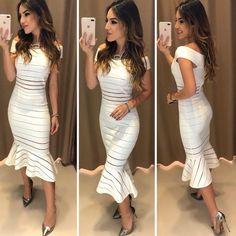 Um encanto de vestido! ✨❤️ Vestido Karla Off Compras pelo site: www.estacaodamodastore.com.br . Whatsapp Site: (45)99953-3696 - Thalyta (45)99820-6662 - Jessica . Ou em nossas lojas físicas de Santa Terezinha de Itaipu e Medianeira - PR