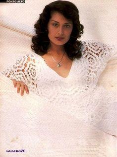 Pure White Motif Top free crochet graph pattern