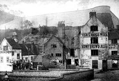 The Gate Hangs Well (on the far right) and Old Trip to Jerusalem (on extreme left), Brewhouse Yard, Nottingham in the Nottingham Pubs, Nottingham Castle, Old Pictures, Old Photos, Wales, Local History, Family History, Castle Gate, Old Pub