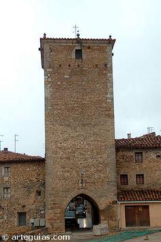 Portal de San Roque. Muralla de Mosqueruela