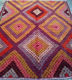 beautiful #Turkish #Kilim Kilims, Fabric Decor, All Fashion, Ikat, Blanket, Crochet, Pattern, Beautiful, Crochet Crop Top
