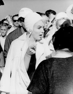 Jack Lemmon talks about Marilyn Monroe — Some Like it Hot Tony Curtis, Vintage Hollywood, Classic Hollywood, Believe, Some Like It Hot, Hilario, Marylin Monroe, Norma Jeane, Clips
