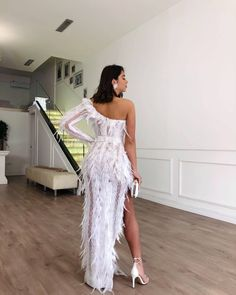 Tringa Kuka ✨ looking gorgeous for her prom night. Source by dress night Glam Dresses, Event Dresses, Cute Dresses, Beautiful Dresses, Fashion Dresses, Formal Dresses, Fashion Fashion, Prom Outfits, Feather Dress