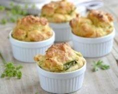 Soufflés poireaux et carottes : http://www.cuisineaz.com/recettes/souffles-aux-poireaux-4569.aspx