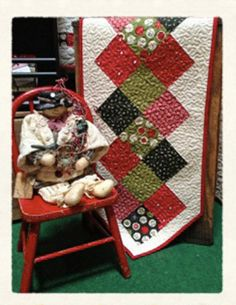 Holiday Table runner PDF quilt pattern by myreddoordesigns on Etsy, $6.50