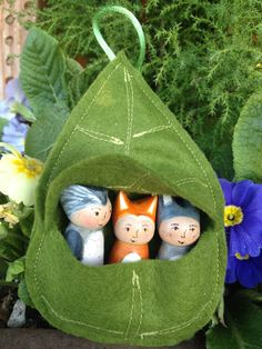 Little Leaf Pouch for up to three Forest Friends or Gnomes