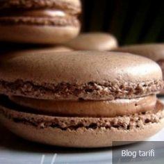 Dark chocolate macarons, with dark chocolate swiss meringue buttercream. Chocolate Swiss Meringue Buttercream, Macaron Recipe, Food Categories, Macarons, Bread, Cookies, Recipes, Money, Bitter