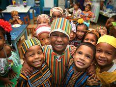 Panamá celebra el Día de la Etnia Negra. En medio de danzas y congos estos niños disfrutaron de las raíces y la comida afroantillana y así aprender a querer una parte muy importante de nuestra cultura nacional.