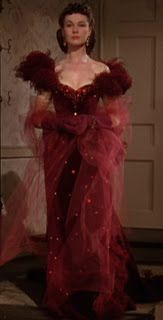 Vivien Leigh as Scarlet O'Hara seen here in stunning gown designed by veteran Hollywood designer, Walter Plunkett for her legendary role in 'Gone with the Wind', Scarlett O'hara, Vivien Leigh, Hollywood Glamour, Classic Hollywood, Old Hollywood, Divas, Movie Costumes, Cool Costumes, Moda Retro